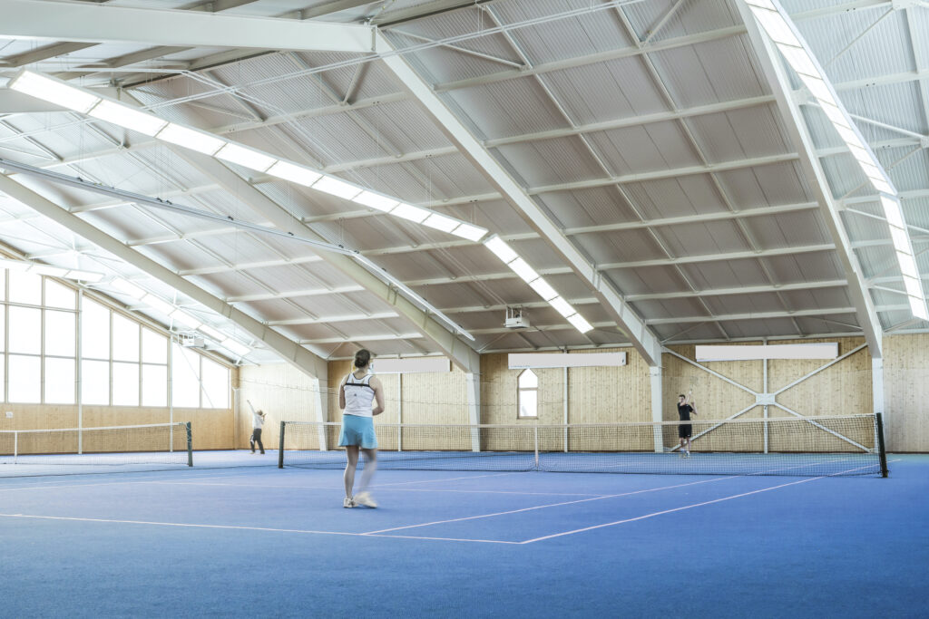Tennishalle innen 1